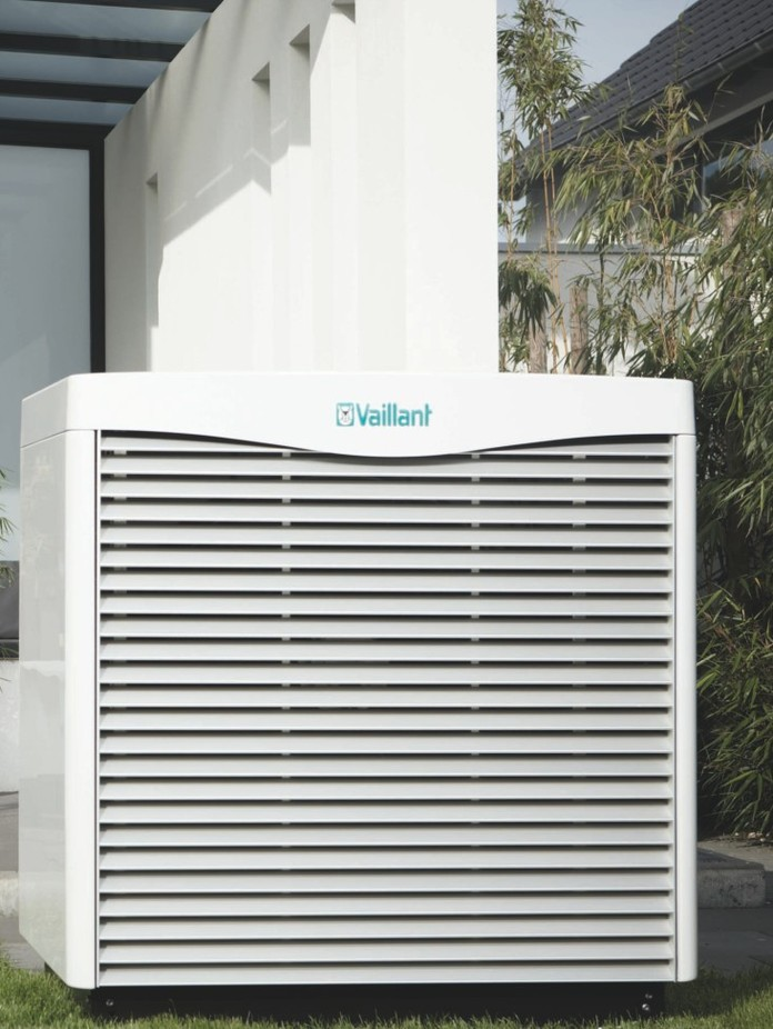//www.vaillant.nl/media-master/global-media/vaillant/communication-portfolio/heat-pumps/hp11-3526-00-1-601138-format-3-4@696@desktop.jpg
